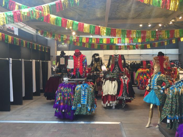 Carnavals kleding tuincentrum Leurs Venlo