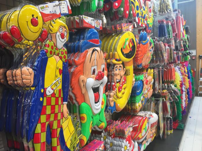 Carnaval maskers tuincentrum Leurs te Venlo