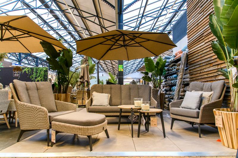 parasols en schaduwdoeken tuincentrum leurs